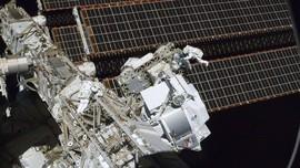 Ada Lubang di Stasiun Luar Angkasa Internasional