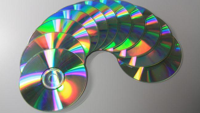 Siapa yang Masih Mau Beli CD?
