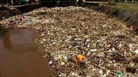 Ahok Tambah Terus Truk Sampah Agar Penuhi Kapasitas