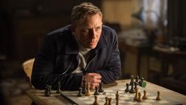 Daniel Craig Pastikan Tinggalkan Semesta 'James Bond'