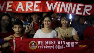 Kabar Kemenangan Menyeruak, Pendukung Padati Markas NLD