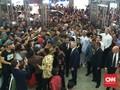 Di Tanah Abang, PM Australia Ajak Jokowi <i>Selfie</i>