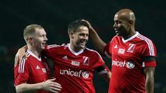 3 Pemain Top yang Pernah Berkostum Man United dan Liverpool