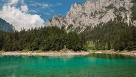 Mendaki Gunung Dalam Air di Austria