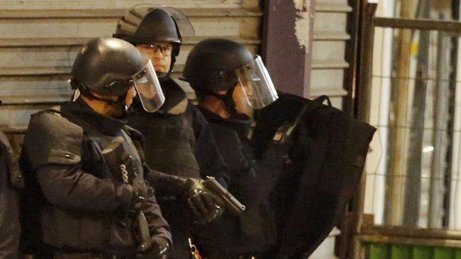 Coba Rampok Bank di Paris, Pelaku Pasang Bom Palsu ke Korban