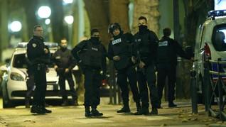 Berencana Serang Macron, Enam Warga Perancis Ditahan