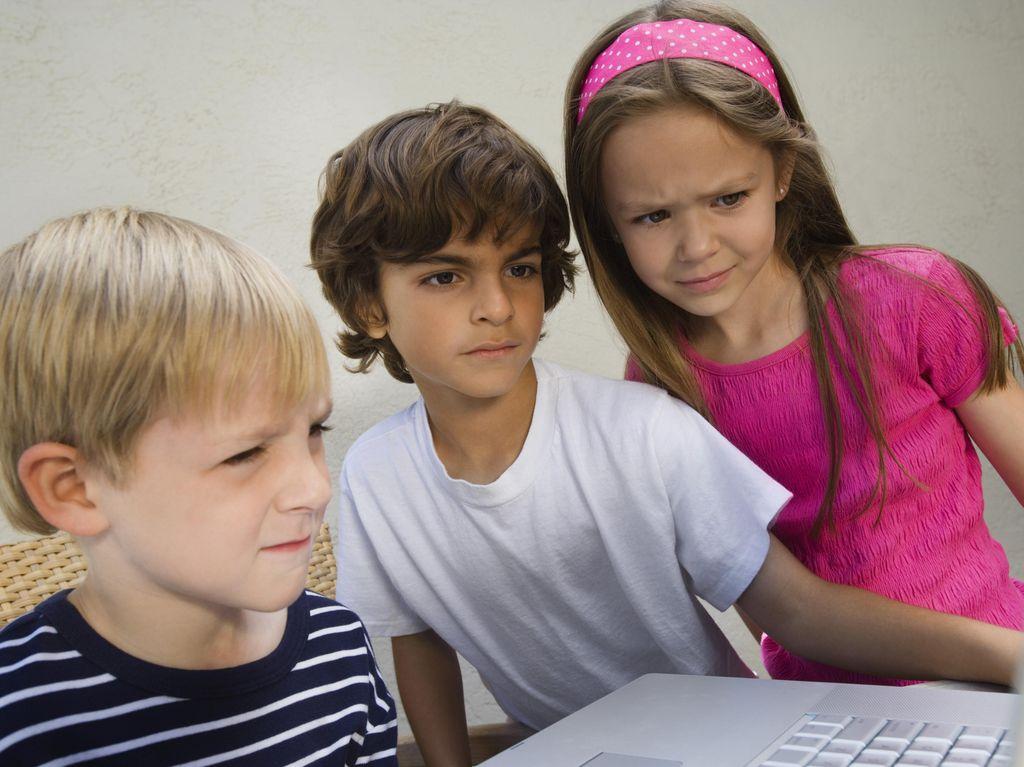 Ancaman pedofil online
