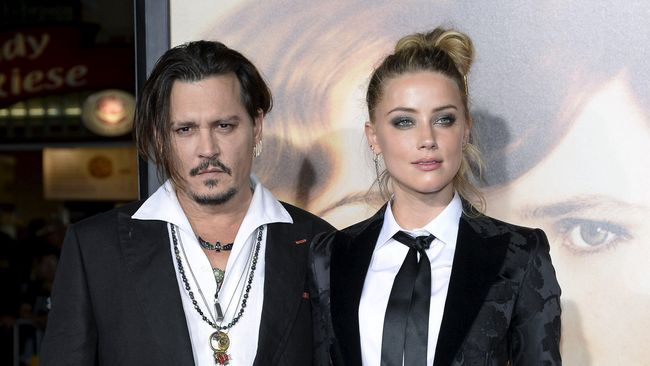 Johnny Depp Diduga Ubah Tato Amber Heard di Jarinya