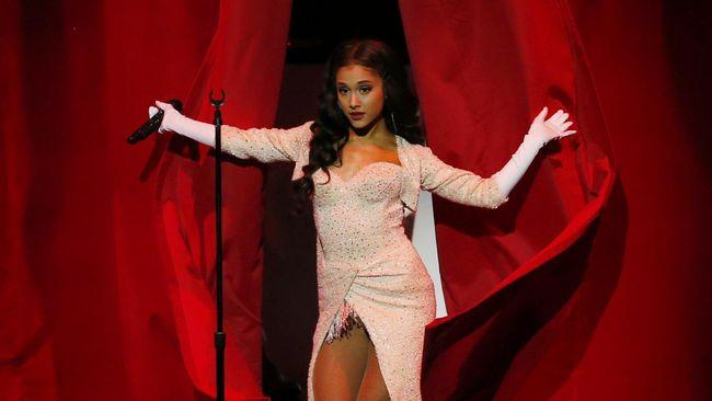 Tunangan Sebut Ariana Grande 'Fantasi Seks' yang Terwujud
