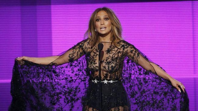 Jennifer Lopez Gelar Tur untuk Rayakan Ulang Tahun ke-50
