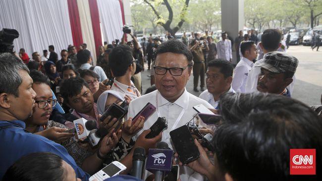 Menteri Tjahjo Minta Pilkada Lima Wilayah Ditunda 14 Hari