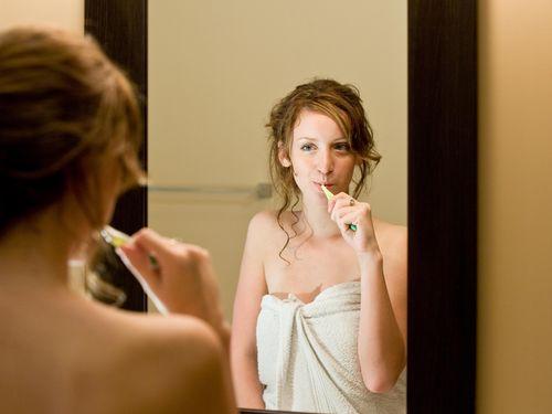 Efek Berbagi Sikat Gigi dengan Orang Lain bagi Kesehatan Gigi