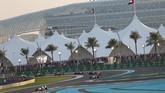 Seri GP Abu Dhabi adalah yang terakhir digelar pada musim balap 2015. Setelah ini, para pebalap formula satu dan timnya akan melakukan uji coba untuk mobil di musim berikutnya. (REUTERS/Ahmed Jadallah)
