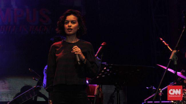 Eva Celia Bawa Pesan Cintai Diri Sendiri Lewat 'A Long Way'