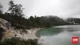 Danau Linow terletak di area wilayah administratif kota Tomohon, Provinsi Sulawesi Utara, Indonesia. Persisnya,dekat Proyek Tenaga Listrik Panas Bumi Lahendong, sekitar satu jam dari Manado. (CNN Indonesia/Andry Novelino)