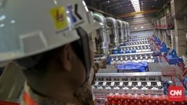Petugas KPK Bawa Tiga Koper Sambangi Kantor PLN