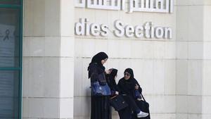 Resmi, Perempuan Arab Saudi Boleh Bepergian Tanpa Izin Pria