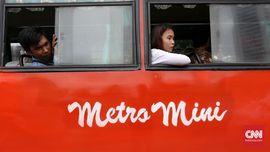 Nada Sesal dan Cerita Indah Penumpang Setia Metromini
