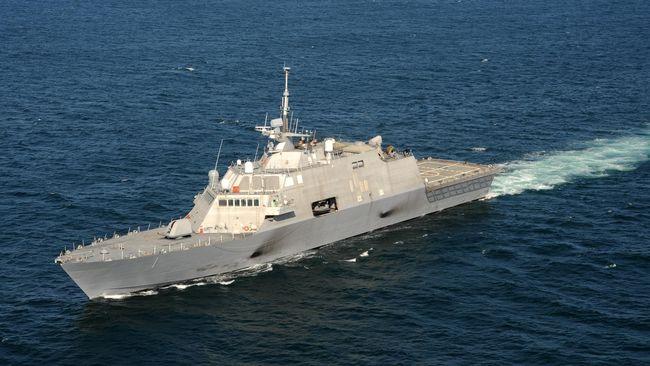 Kapal Perang China Usir Kapal Perang AS di Laut China Selatan