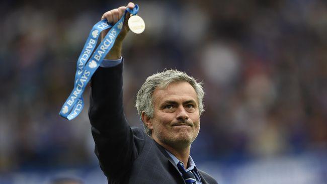 'Antara Mourinho atau Giggs Latih MU'