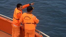Tim SAR Temukan Helm dan Parasut Penerjun Kopasus yang Hilang