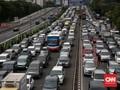 Macet Tol Jakarta-Cikampek, Kendaraan Menumpuk di Rest Area