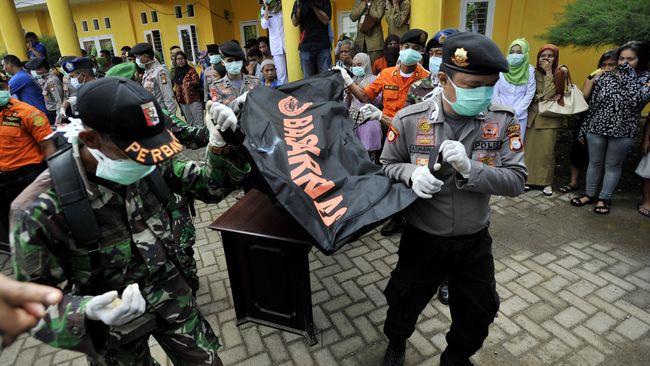 Ambulans Pengantar Jenazah Korban KM Marina Disiagakan