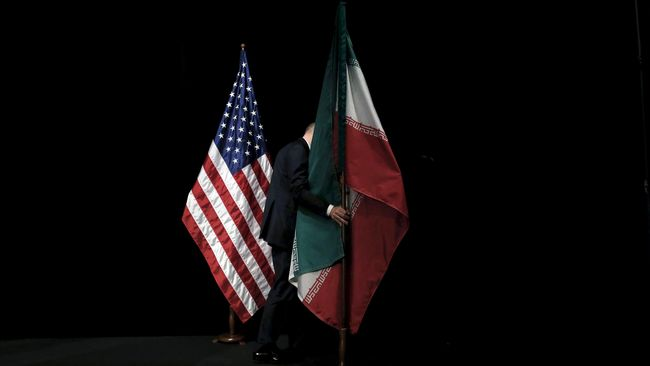 Lawan Sanksi AS, Iran Klaim Kuasai Selat Hormuz