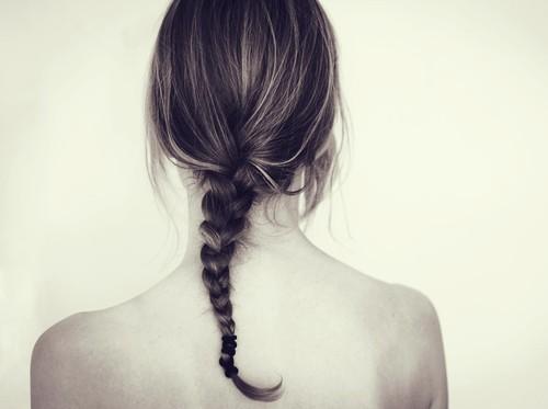 Wanita Ini Alami Kebotakan dan Luka Bakar Usai Warnai Rambut