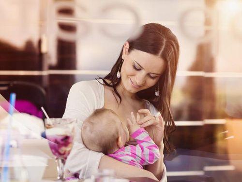 Mengatasi Bayi 3 Bulan yang Tidak Mau Menyusu Langsung karena ASI Sedikit