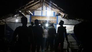Cegah Penularan Covid-19, Polisi Bubarkan Kerumunan Warga