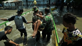 Jokowi Naikkan Tunjangan Babinsa, Bantah Tudingan Politis