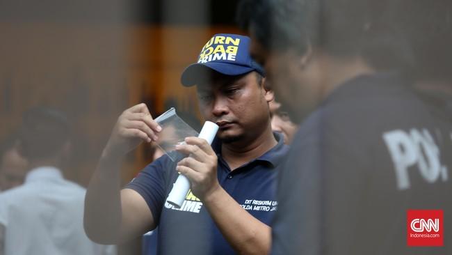 Racun sianida yang diduga terdapat di kopi Mirna mengandung zat korosif yang menyebabkan kerusakan pada organ tubuh. (CNN Indonesia/Safir Makki)