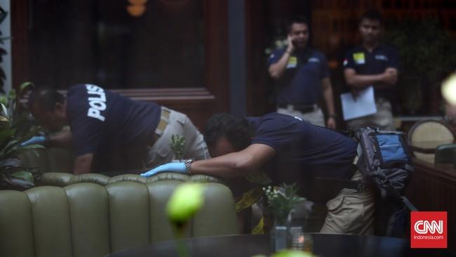 Polda Metro Jaya menyatakan kematian Mirna tak wajar, namun belum dapat mengambil kesimpulan final. (CNN Indonesia/Safir Makki)