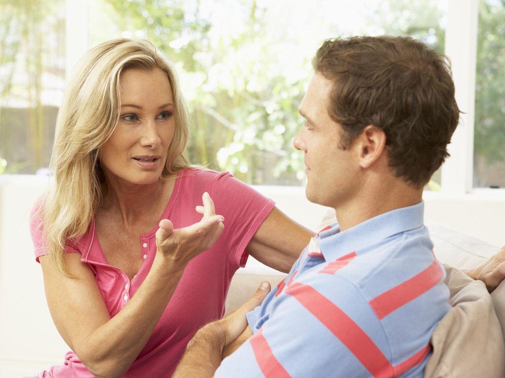 Menghadapi Istri yang Marah Karena Suami Belum Sunat