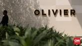 Olivier Cafe ditutup dan dijaga ketat untuk prarekonstruksi kasus tewasnya Mirna. Es kopi Vietnamese yang dipesan Mirna di kafe itu, berdasarkan hasil uji forensik awal Tim Pusat Laboratorium Forensik Kepolisian, mengandung racun sianida.(CNN Indonesia/Safir Makki)