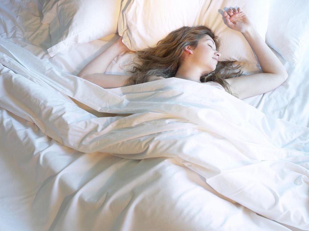 Waspada! Kebiasaan Saat Tidur Ini Bisa Mengancam Kesehatanmu