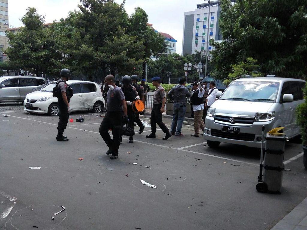 Kala itu Presiden Joko Widodo dan Kapolri Tito Karnavian turun langsung mengecek lokasi. (Foto: Iwan Romadona/pembaca)