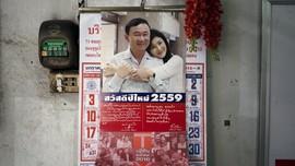 Keluarga Shinawatra Galang Dukungan dengan Kalender 2016