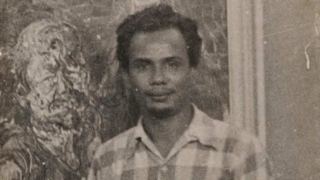 Pria kelahiran Harianboho, Sumatra Utara, 2 Oktober 1923, ini dikenal sebagai penulis multitalenta yang melahirkan seabrek karya sastra, jurnalistik sampai naskah film. Pria Batak ini meninggal dunia di usia 91 tahun, pada 20 Desember 2014 di Belanda.