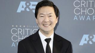 Bintang 'Crazy Rich Asians' Disebut Muncul di 'Avengers 4'