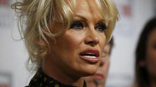 Jelang Pemilu AS, WikiLeaks Bocorkan 8.000 Email Demokrat CNN Indonesia ... Pamela Anderson Bicara Rumor Cinta dengan Pendiri WikiLeaks