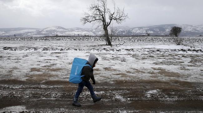 Serbia memutuskan akan membatasi perlintasan pengungsi yang hendak menuju Austria atau Jerman. Keputusan ini diambil setelah Austria akan memangkas penerimaan pencari suaka. (REUTERS/Marko Djurica)