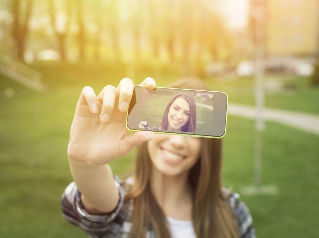 10 Meme Selfie Paling Lucu, Bikin Ngakak Sampai Kesal!
