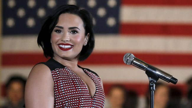 Ibunda Bangga Demi Lovato 90 Hari Bebas Narkoba