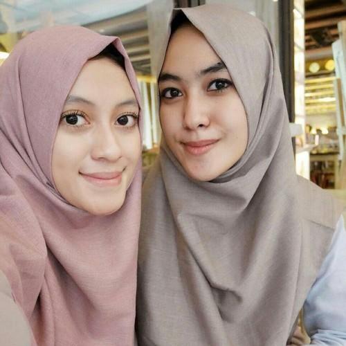 Dengan Modal 0 Rupiah, Dua Kakak-Beradik Ini Sukses Bisnis Hijab