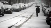 Jika perkiraan cuaca akurat, badai ini juga akan melampaui Badai Knickerbocker pada 1922, yang menjatuhkan salju setebal 71 cm. (Reuters/Carlos Barria)