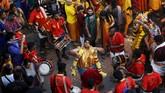 Lebih dari sejuta umat Hindu di Malaysia berkumpul di Batu Caves, Malaysia, Minggu (24/1) untuk merayakan Festival Thaipusam.