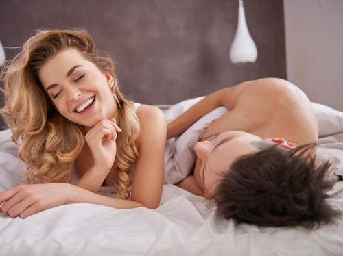 5 Cara Bangkitkan Gairah Seksual Istri Malam Ini