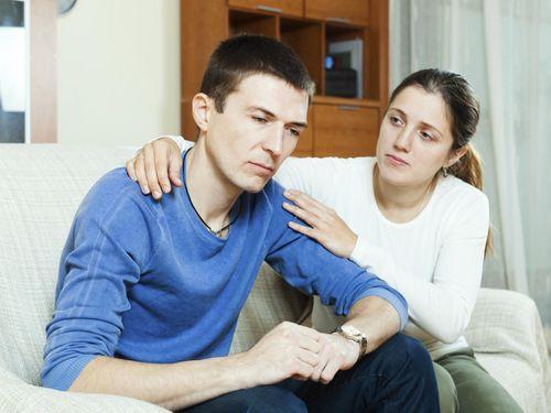 Laki-laki Juga Bisa Mengalami Depresi Selama Istrinya Hamil